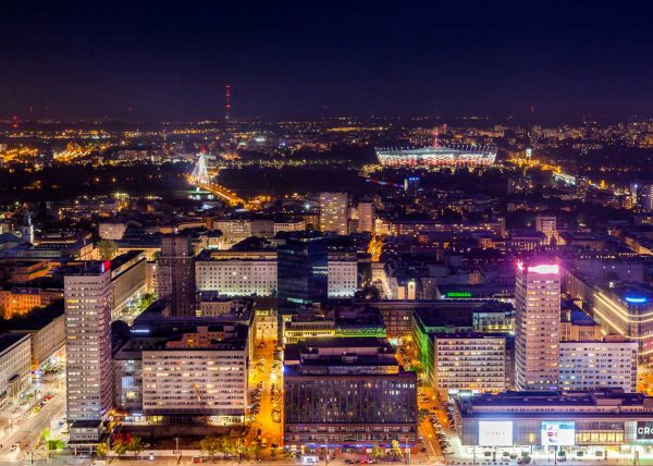 Zdjęcie z lotu drona, Warszawa nocą