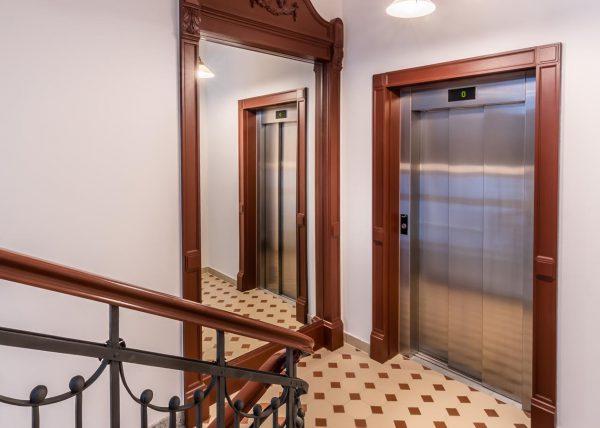 Zdjęcie klatki schodowej