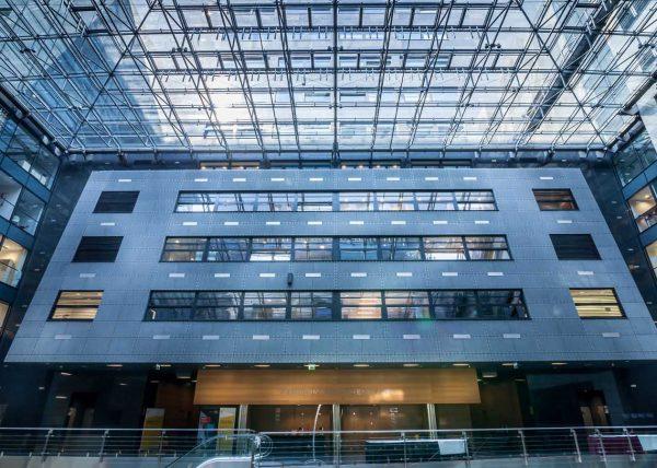 Fotografia nowoczesnego budynku