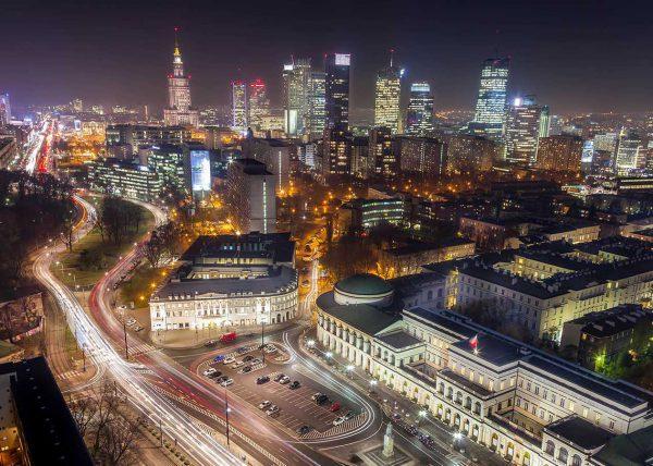 Warszawa nocą zdjęcie z drona