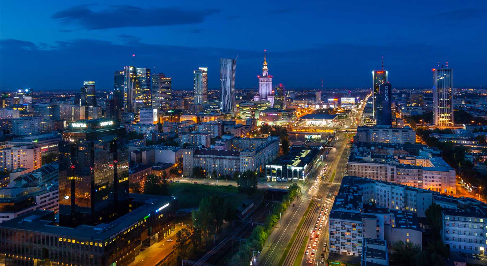 Fotografia z drona, Warszawa nocą