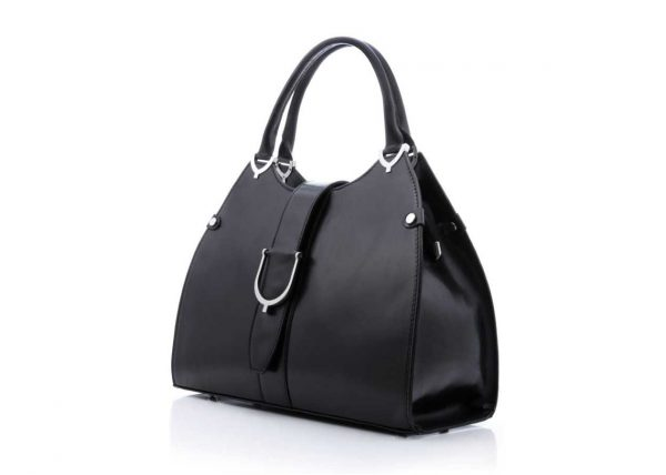 Fotografia czarnej torebki